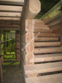 installation of wooden ladders home