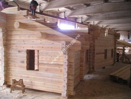 Installation of a wooden house roof