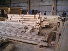 construction of wooden tree houses